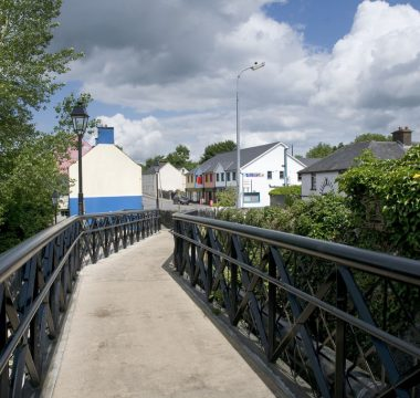 Medium Leitrim Village